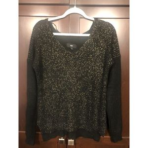 •• Black//Gold Speckled Sweater ••